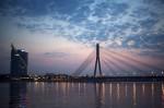 Podul către orașul modern