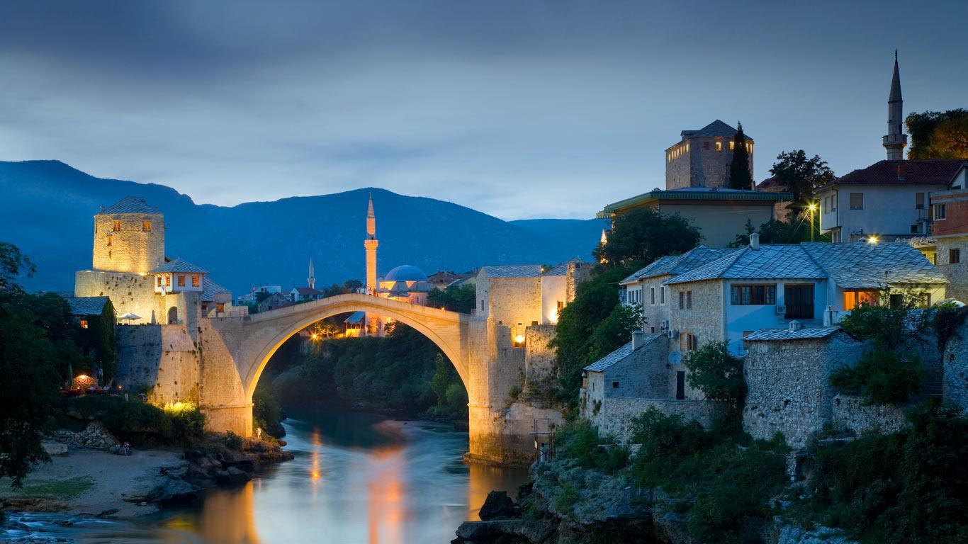 Stari Most, podul de pe Râul Neretva