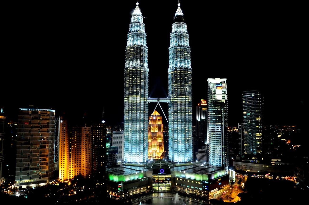 Turnurile Petronas, noaptea