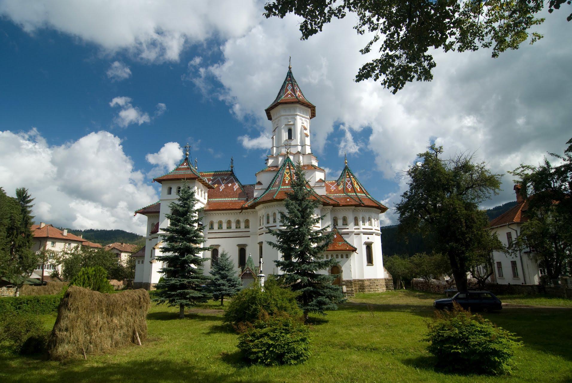 Biserica Adormirea Maicii Domnului din Câmpulung Moldovenesc
