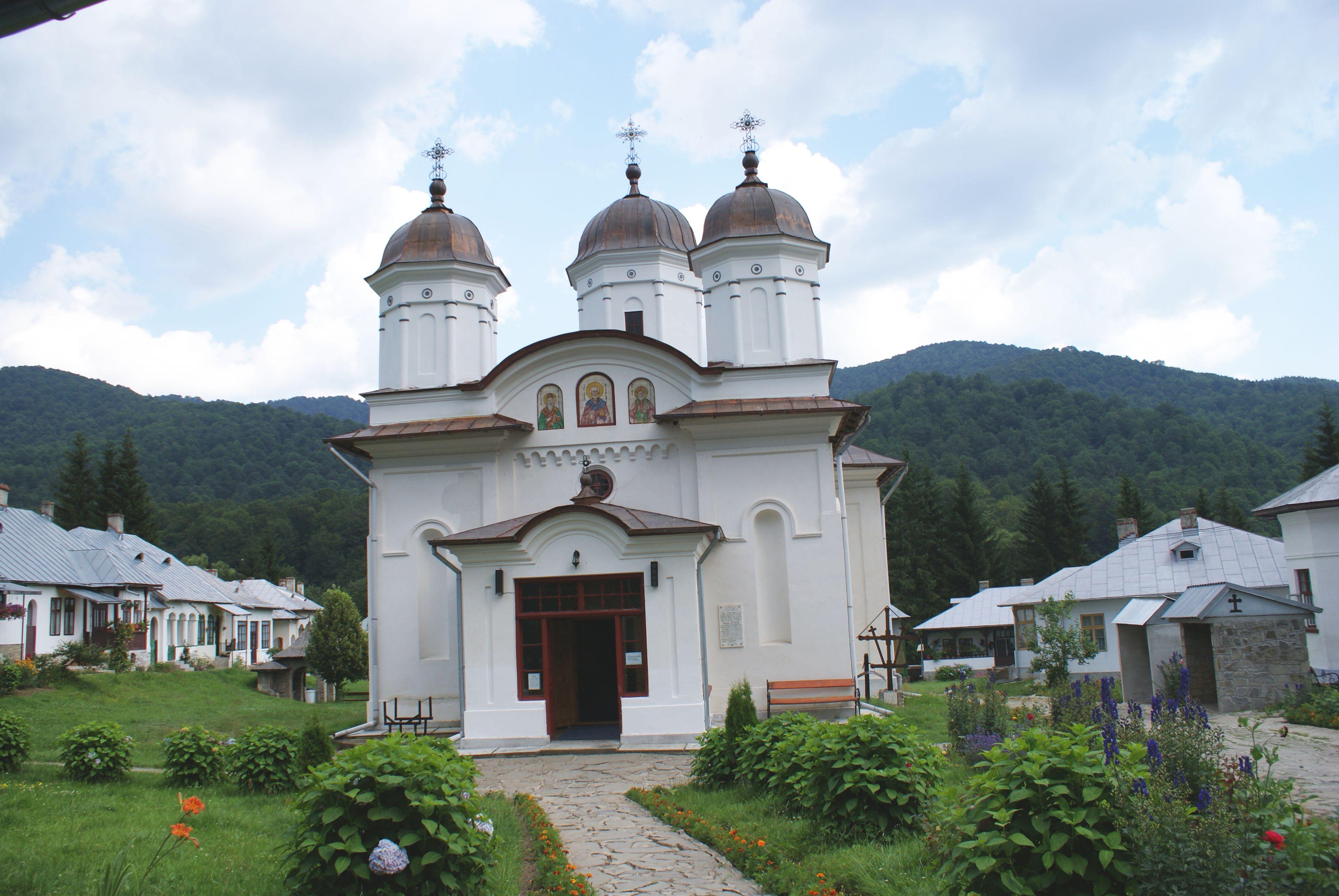 Biserica mânăstirii Suzana