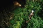 O peșteră cu propria sa pădure tropicală