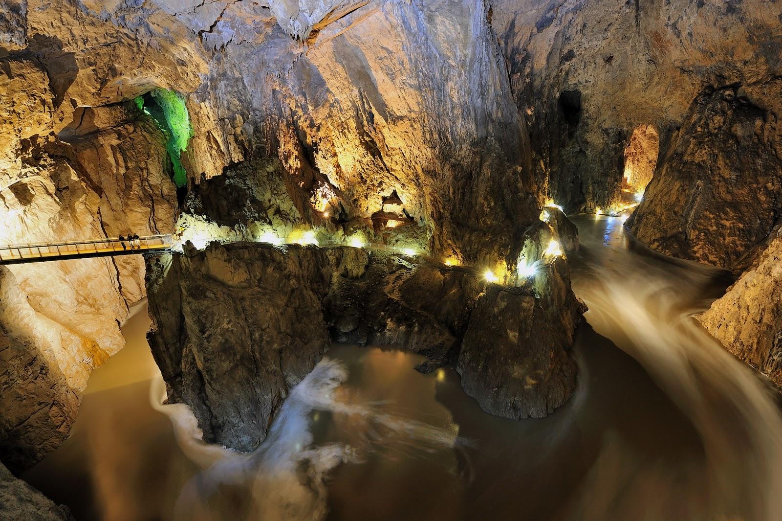 Peșterile Skocjan din Slovenia