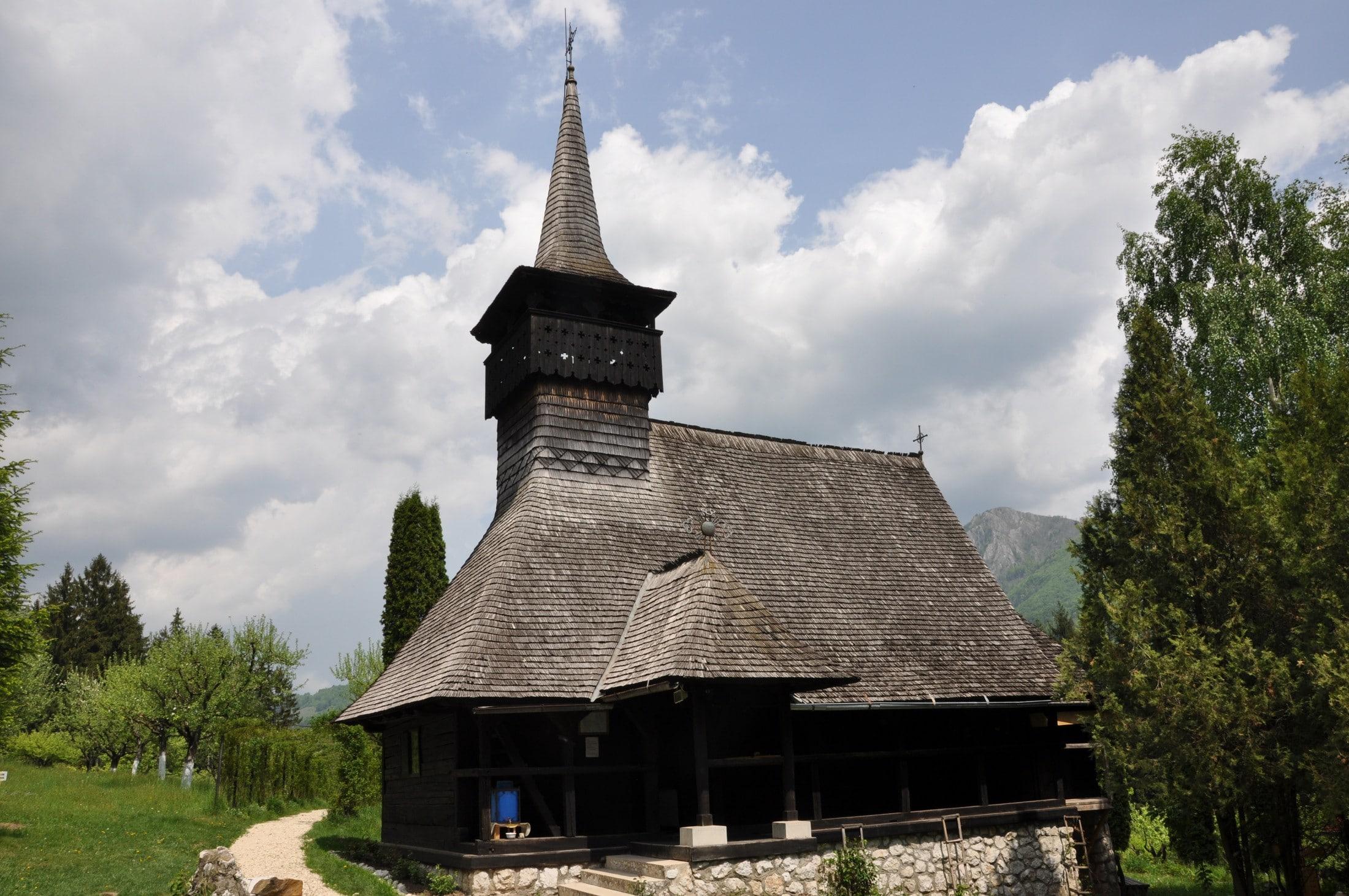 Biserica de lemn a schitului