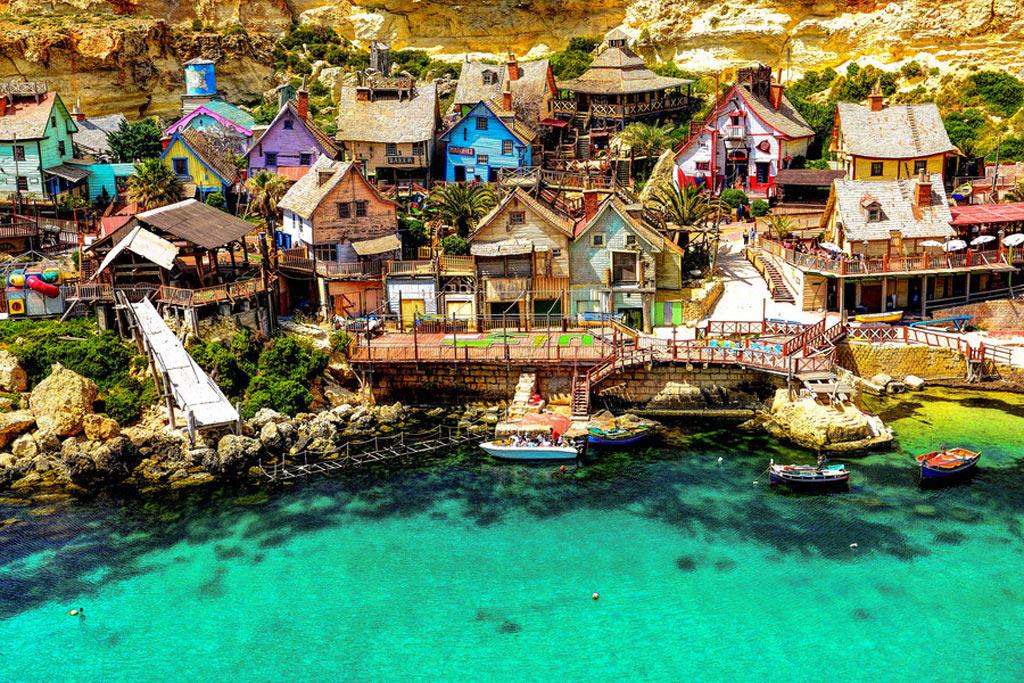 Căsuțele colorate din Orășelul Malta