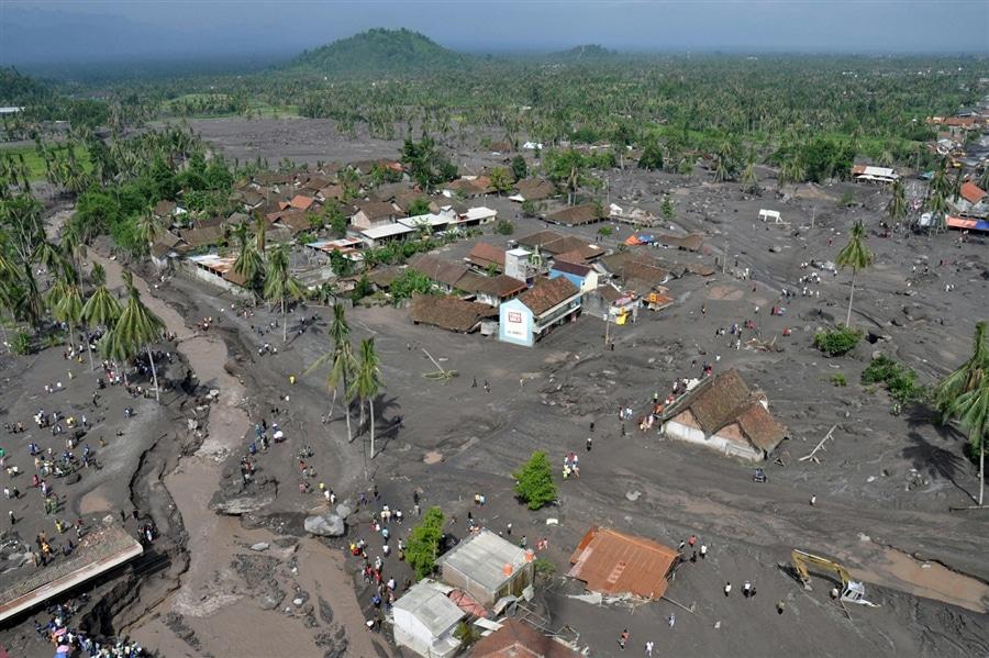 Erupție vulcanică în Muntele Merapi, Indonezia