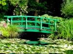 Grădina de apă și podul japonez, elemente care l-au inspirat pe Monet