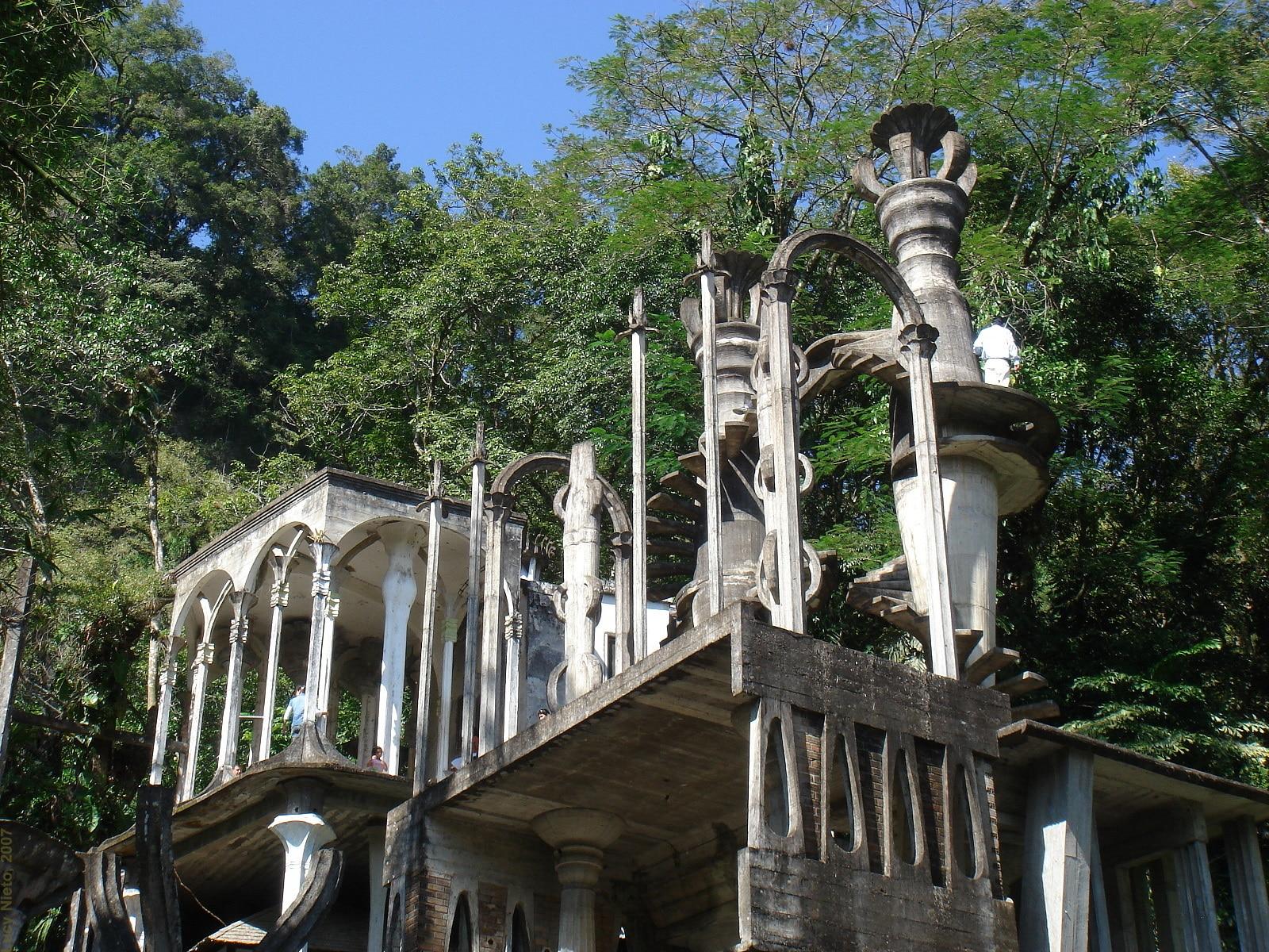 O nebunie arhitecturală, cum altfel să numești Las Pozas