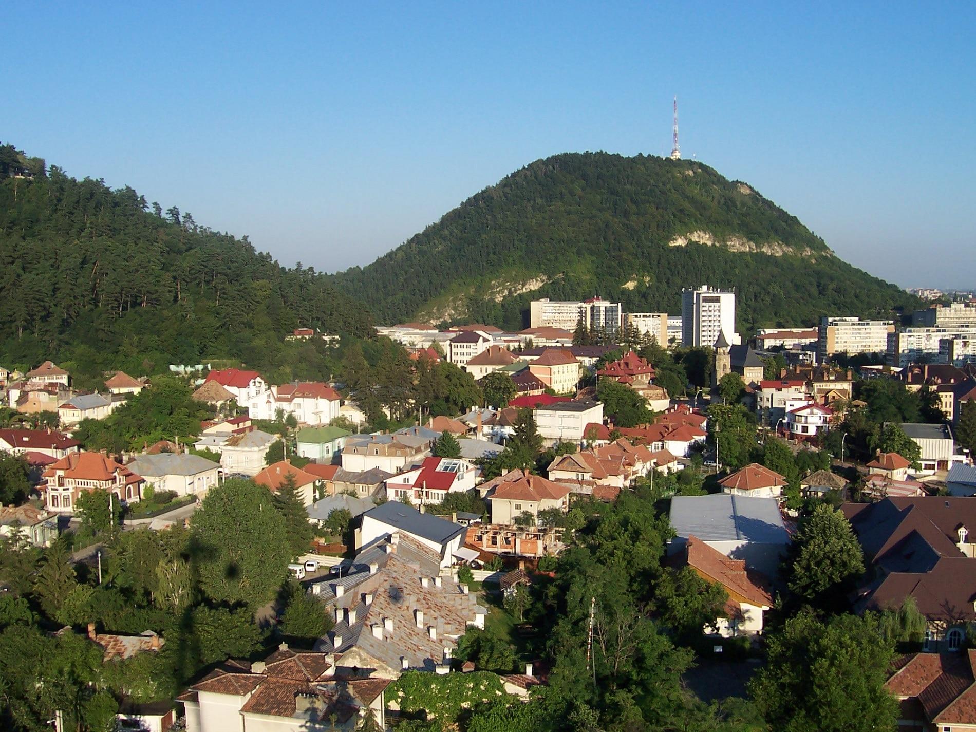 Vedere panoramică asupra orașului Piatra Neamț