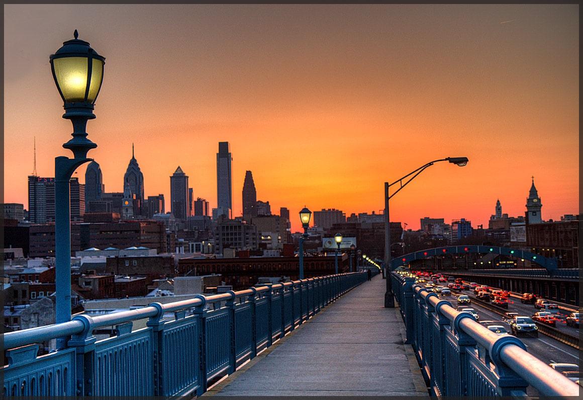Poate puțin prea mult Photoshop dar o imagine care nu poate să nu atragă atenția către Philadelphia