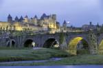 Podul din Carcassonne duce spre o comoară istorică