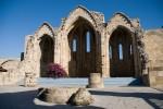 Ruinele unei biserici din nordul insulei