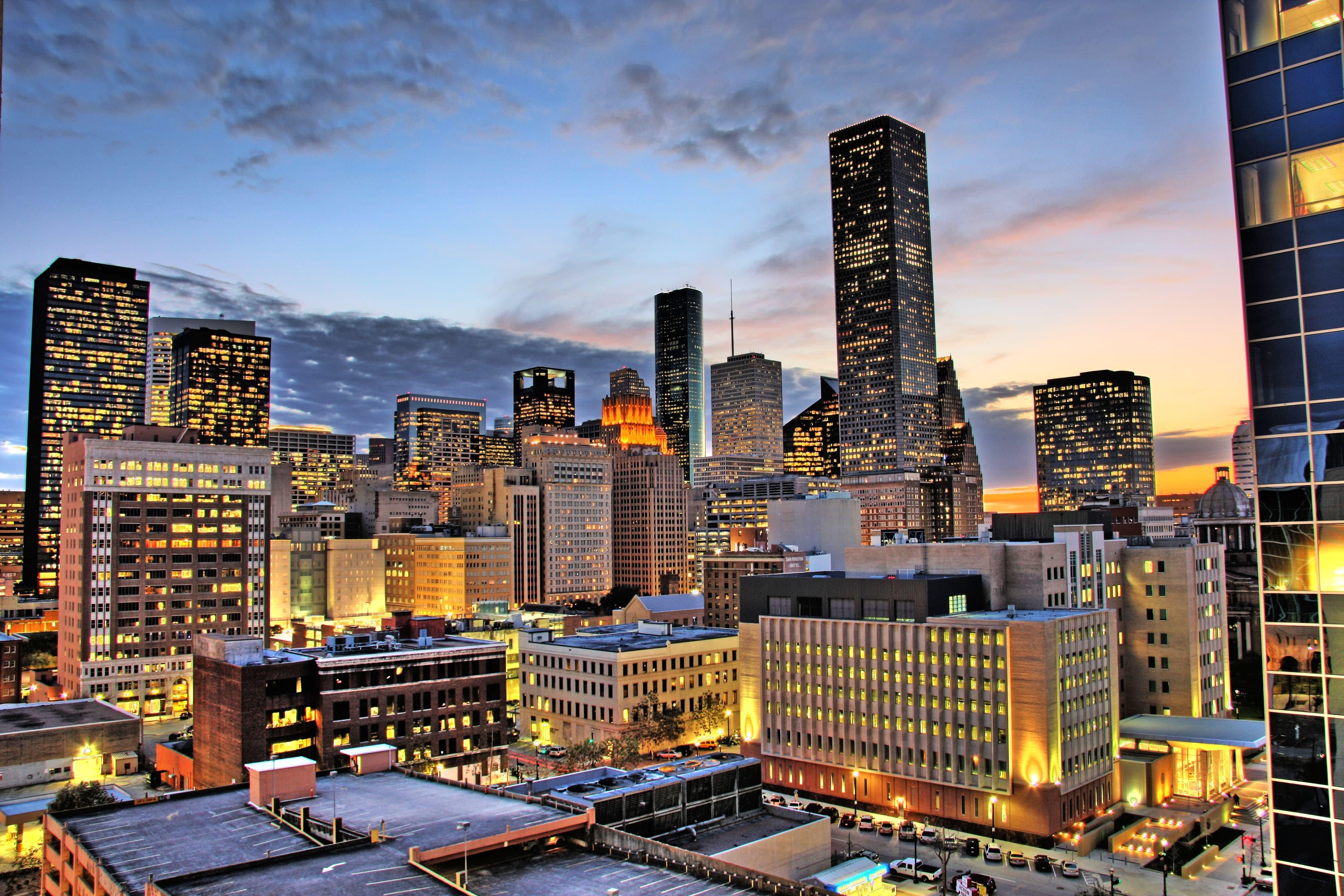 În fiecare noapte Houston se aprinde datorită tuturor luminilor orașului