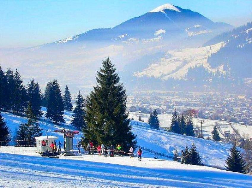 Petrece Valentine's Day pe Pârtia Veverița – Cea mai nouă pârtie de schi din Vatra Dornei