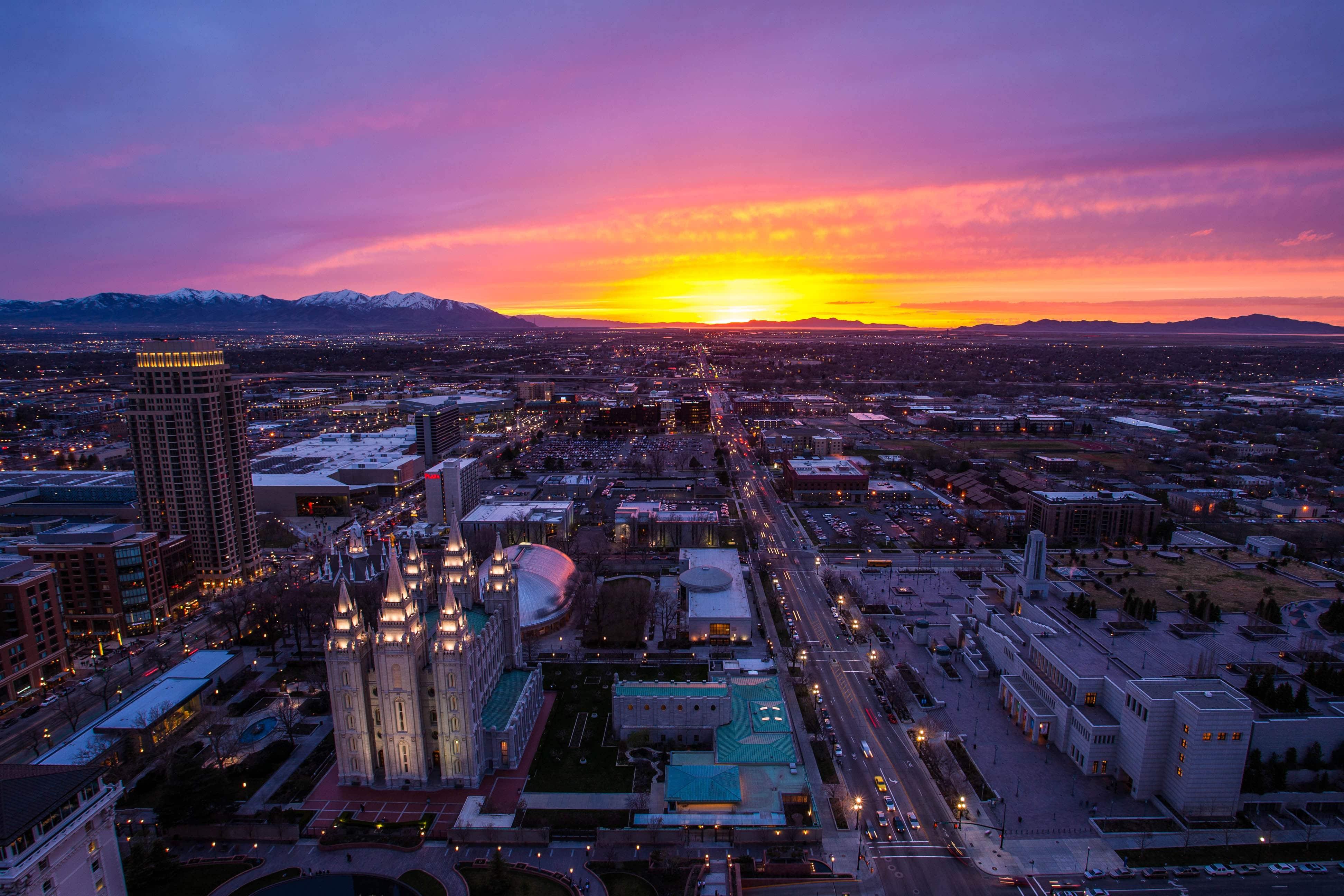 Apus de soare peste Salt Lake City
