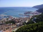 Imagine de ansamblu asupra unei părți din oraș dar și asupra portului turistic și al celui comercial