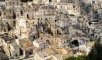 Matera, un oraș alcătuit dintr-o aglomerare de mici clădiri