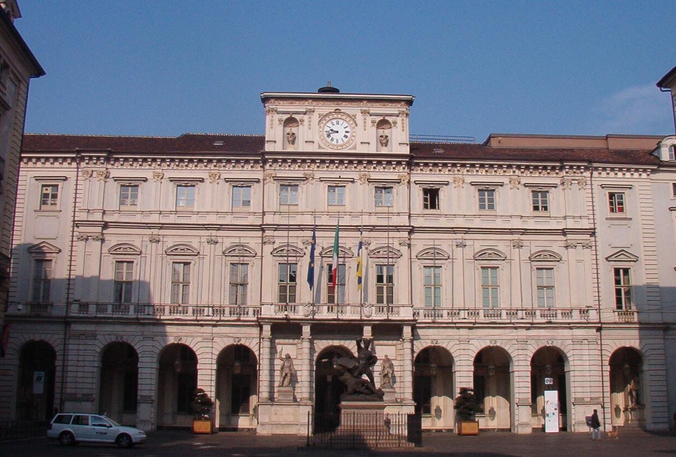 Cassa della Vittoria Torino, o intrare superb ornamentat[