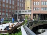 The High Line este loc de promenadă dar și de relaxare