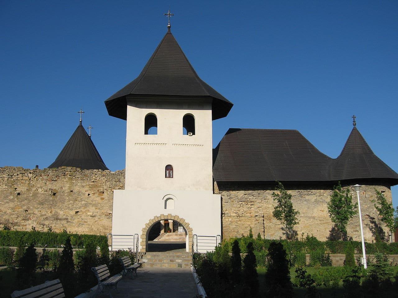 Clopotnița mănăstirii
