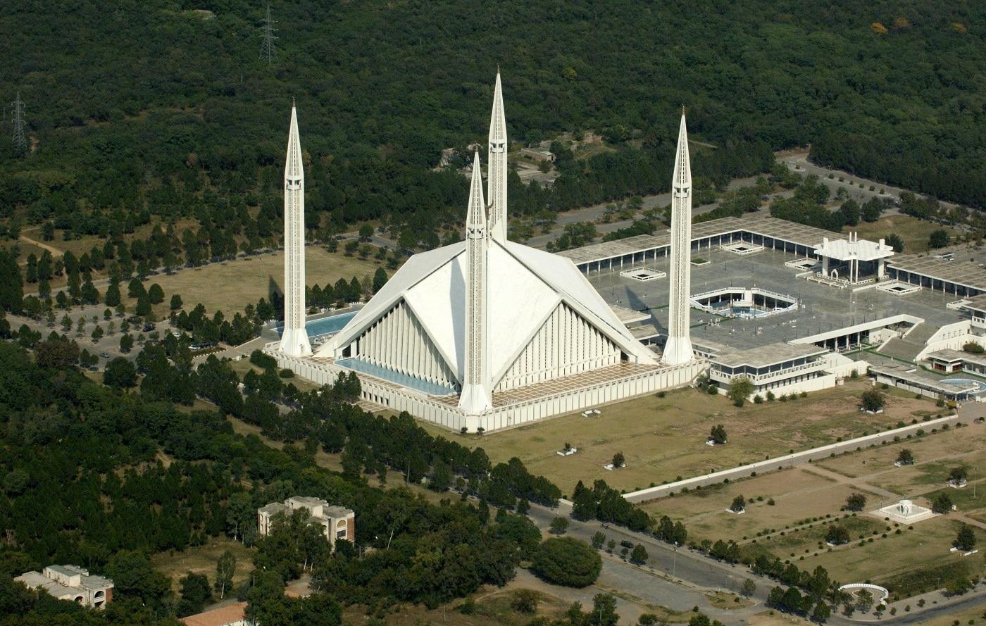 Moscheea Faisal, edificiul care schimbă orizontul capitalei pakistaneze