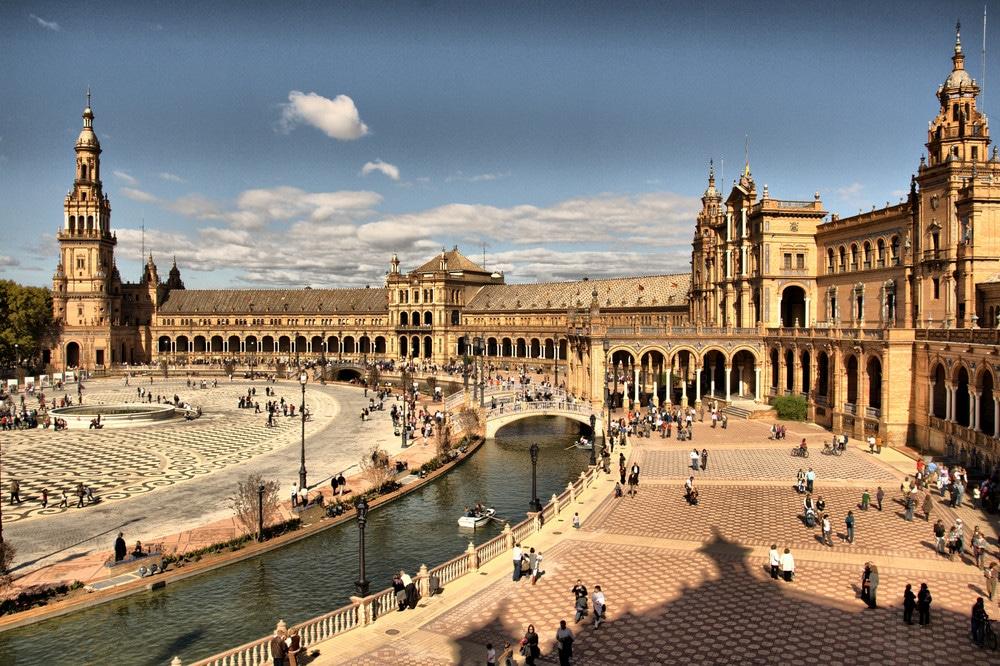Râul Guadalquivir oferă orașului un alt statut