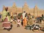 Zilele de luni sunt momentul în care Djenne se transformă într-o piață în aer liber