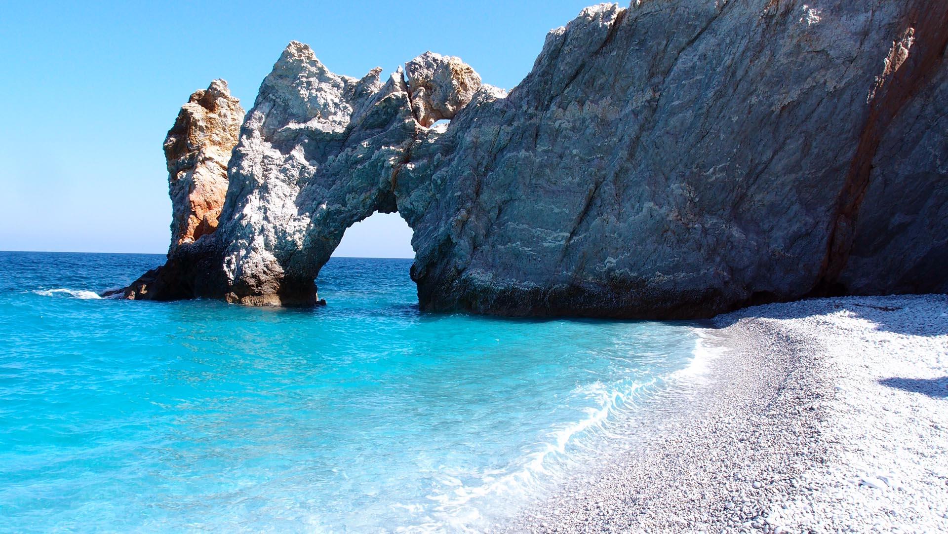Plaja Lalaria de pe Insula Skiathos