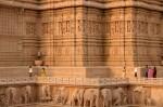 Numeroși elefanți împodobesc Templul Akshardham