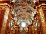 Interioarele sunt o adevărată capodoperă arhitecturală și artistică