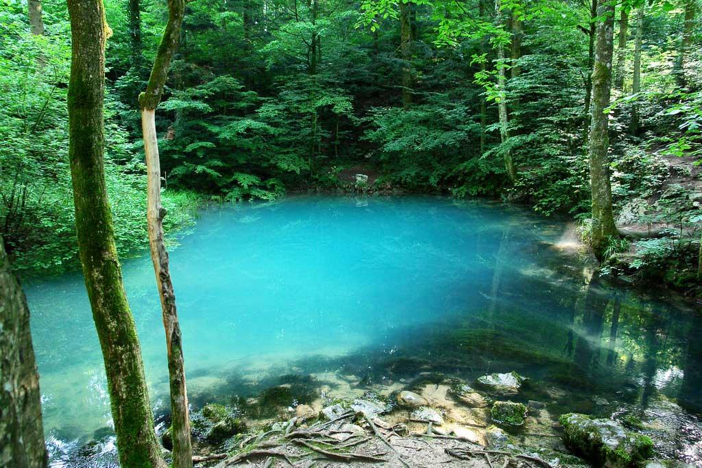 Lacul Ochiul Beiului, Munţii Aninei