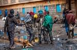 Nairobi este şi oraşul unde trăiesc mulţi copii pe străzi