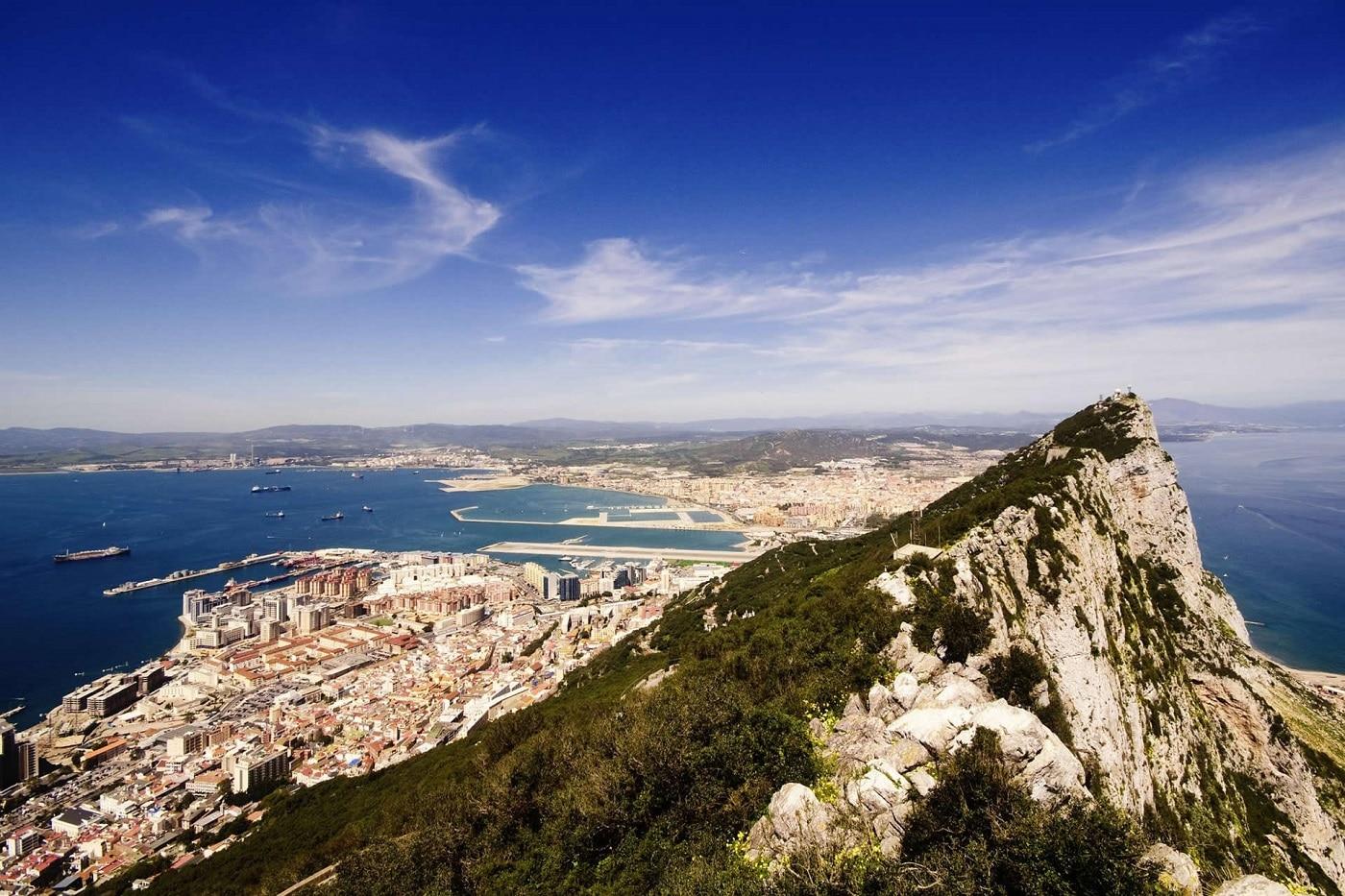 Împrejurimile văzute chiar de pe Roca din Gibraltar