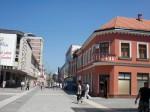 Main Street, locul unde se regăsesc o mulțime de magazine și restaurante