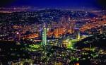 Panorama oraşului, noaptea