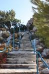 Cele 300 de scări care duc spre Biserica Profetului Ilie