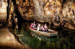 Plimbare subterană cu barca