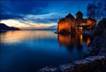 Castelul Chillon, frumos iluminat în timpul nopţii