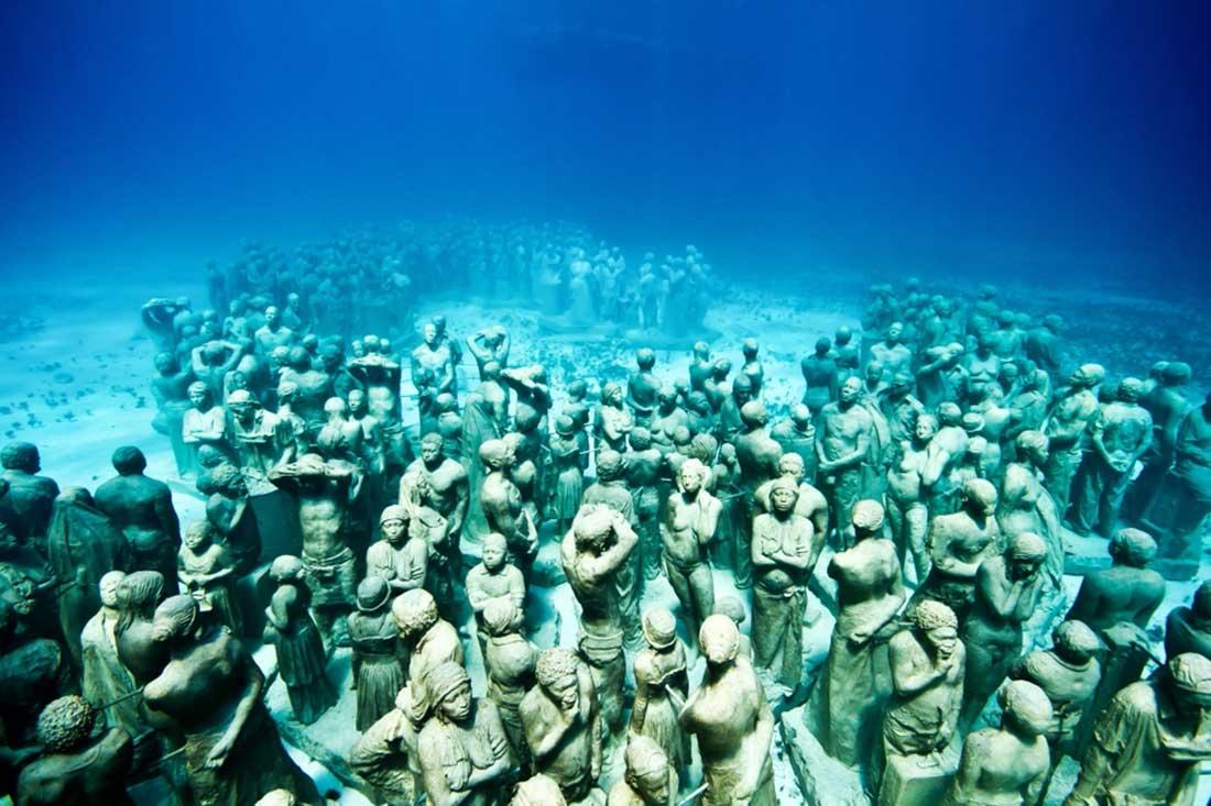 Muzeul subacvatic din Cancun