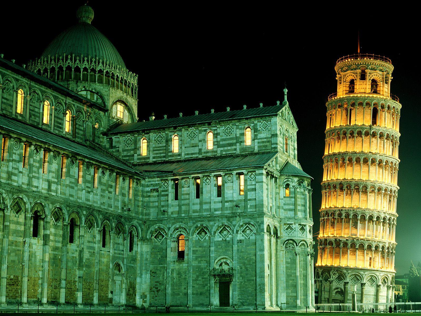 Turnul rămâne cel mai renumit edificiu din oraș