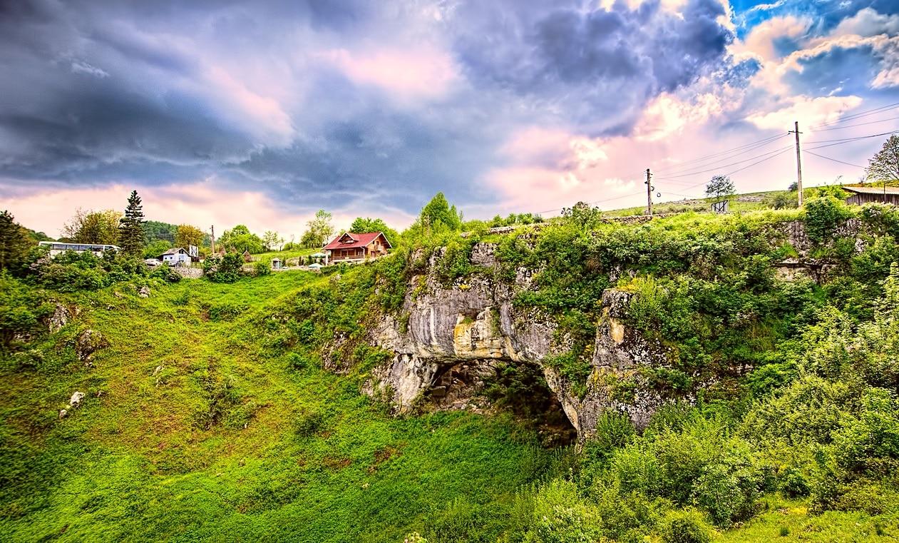 Podul lui Dumnezeu din Caraș Severin